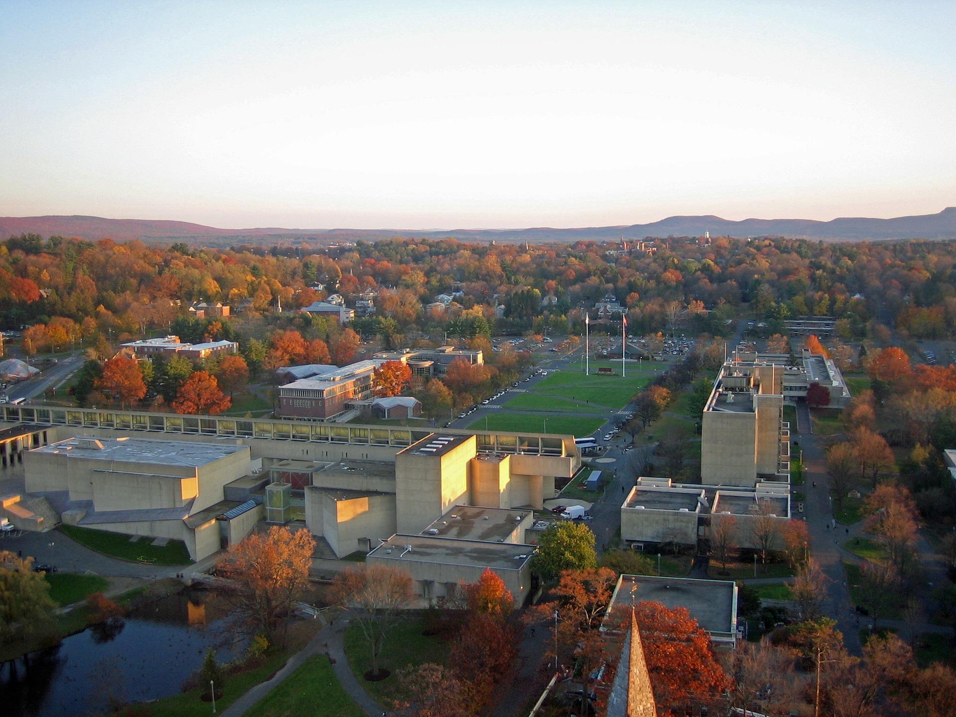 マサチューセッツ大学